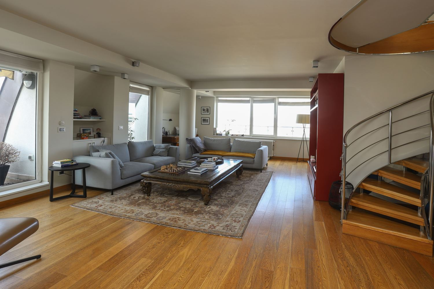 4-bedroom Apartment for Rent, Center