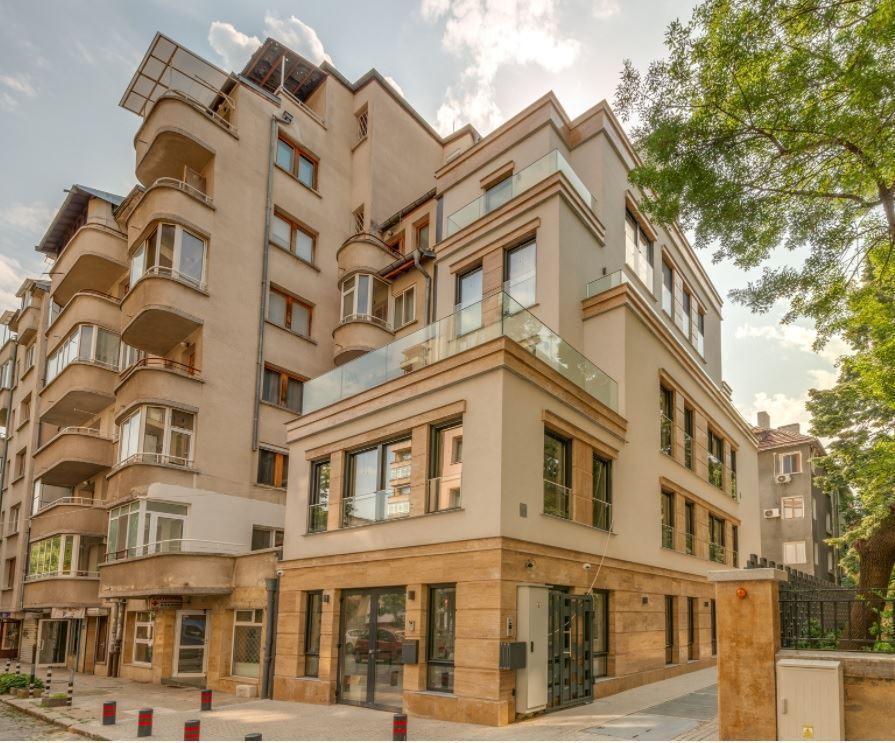 Сгради for Sale, Meditcinska Akademia