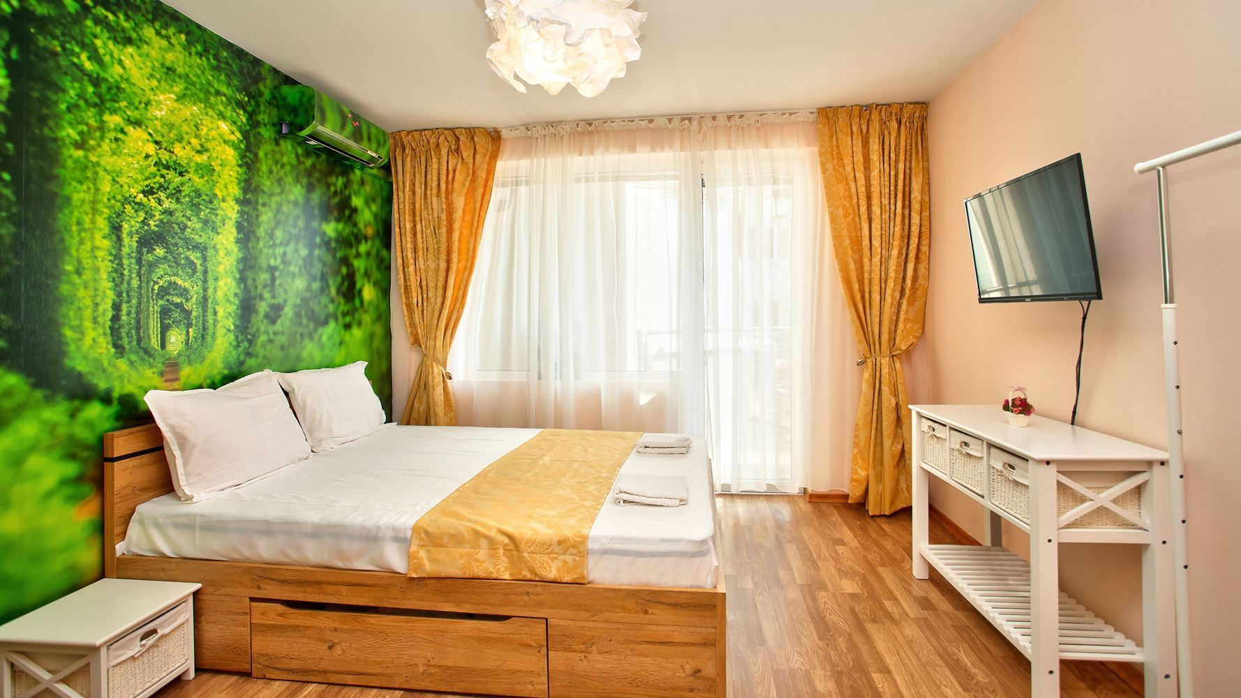 1-bedroom Apartment for Rent, Center