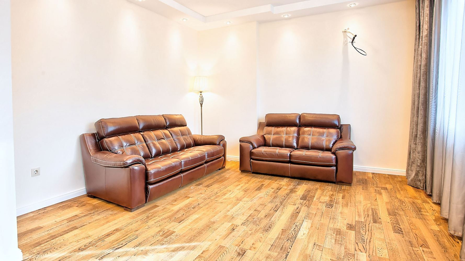 2-bedroom Apartment for Sale, Center